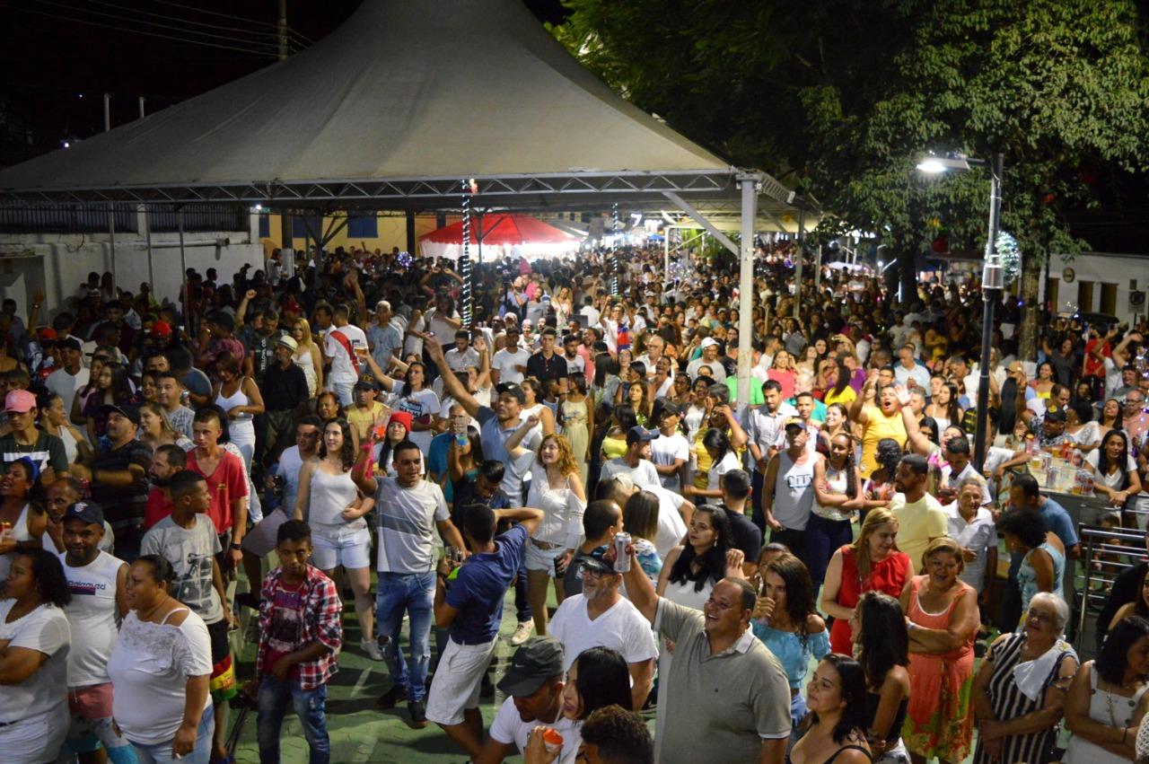 FESTEJOS DE FIM DE ANO EM ANTÔNIO DIAS