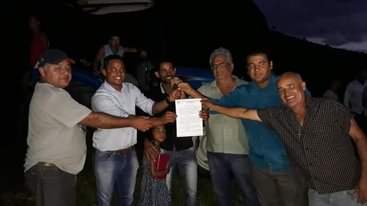ENTREGA DE TRATOR NA COMUNIDADE RURAL DA BAIXA QUENTE