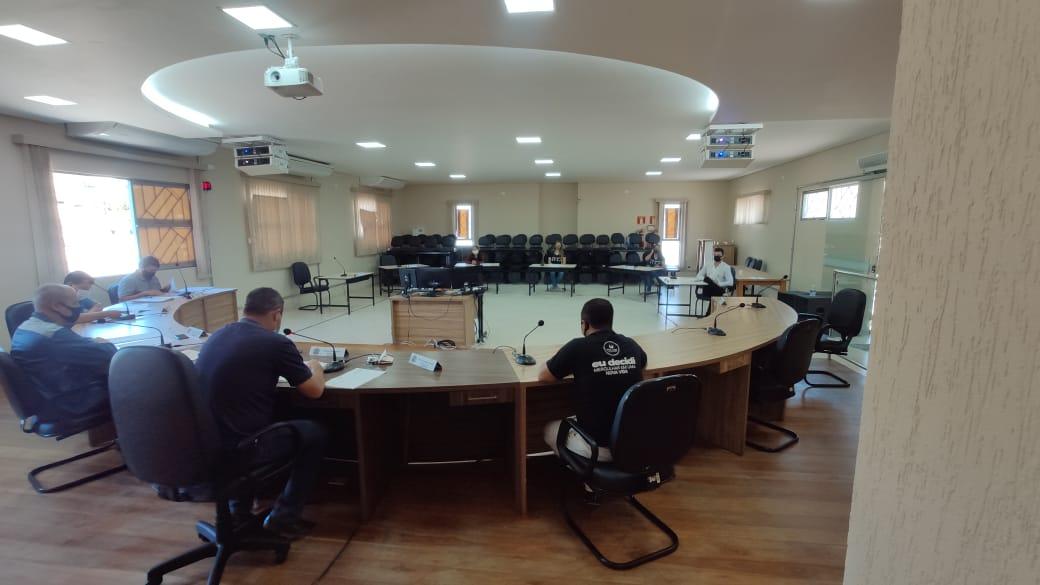 Comissões se reúnem para discutir Projeto de Lei que...