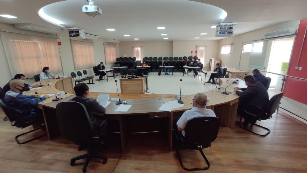 Comissão de Educação debate compensação de horas/dia...