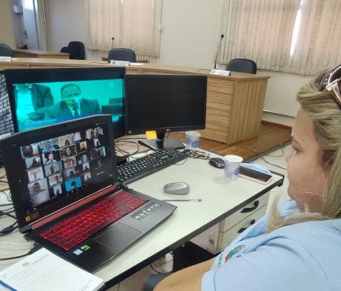 Reunião virtual decide futuro das Escolas do Legisla...