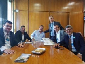 PREFEITO E VICE LEVAM DEMANDAS ESPECIFICAS À MARCHA ...