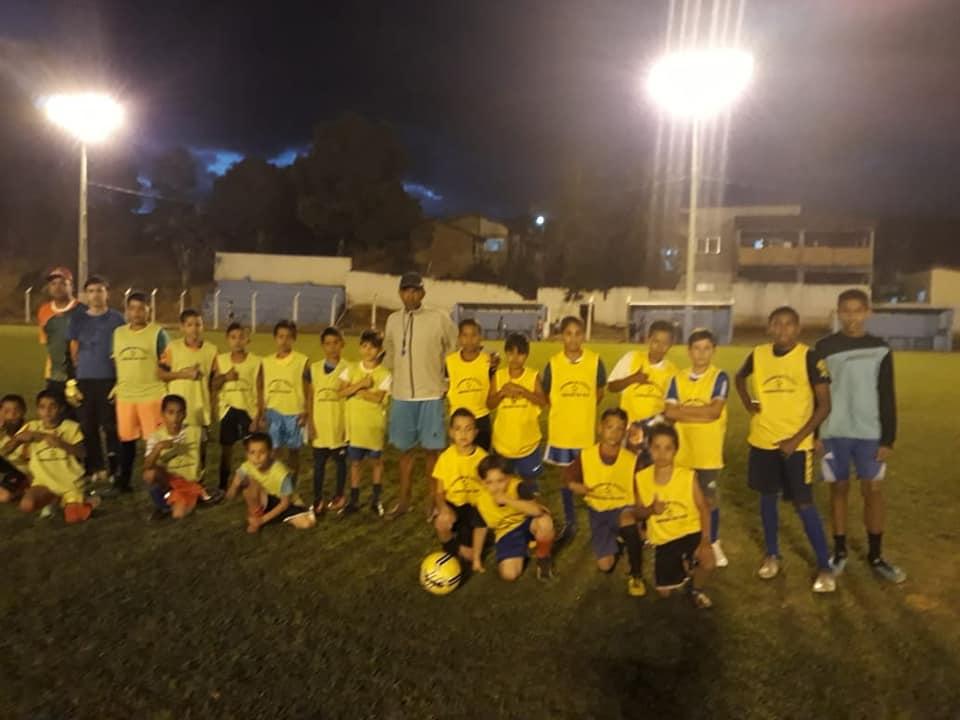 Escolinha de Futebol de Fronteira dos Vales